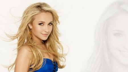 Hayden Panettiere Pretty In Blue Wallpaper