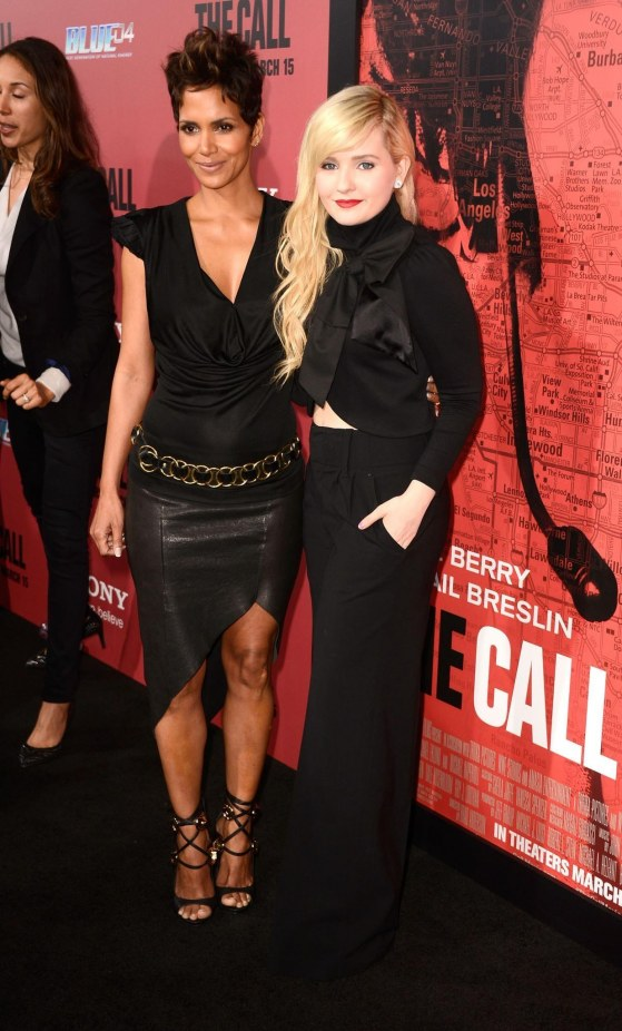 Halle Berry And Abigail Breslin In The Call Large Picture Body