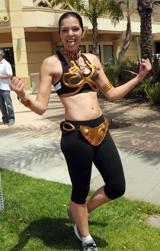 Adrianne Curry At The Inaugural Course Of The Force Olympic Relay Run