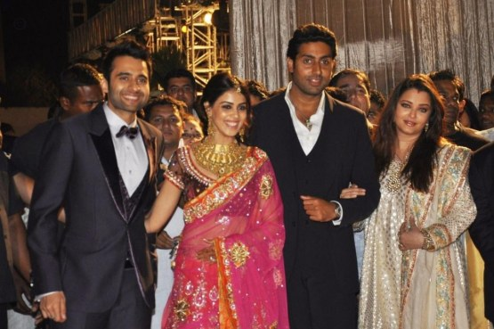 Vd Jky Jackky Bhagnani Genelia Abhishek Bachchan With Aishwarya Rai Bachchan At The Wedding Reception Of Dheeraj Deshmukh And Honey Bhagnani Wedding