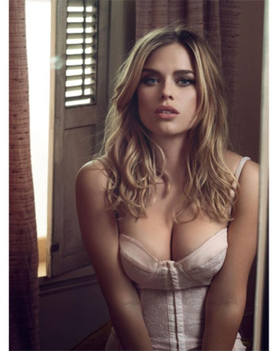 Alice Eve Body