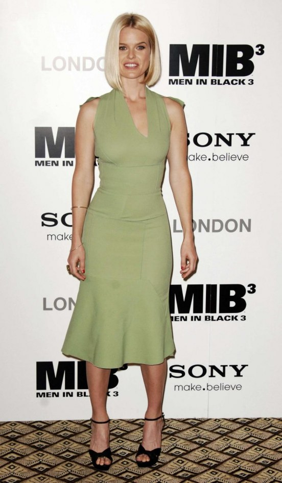 Alice Eve Green Dress Men Black Photocall London May Alice Eve Green Dress Men Black Photocall London May Men In Black