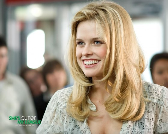 Alice Eve Wallpaper Body