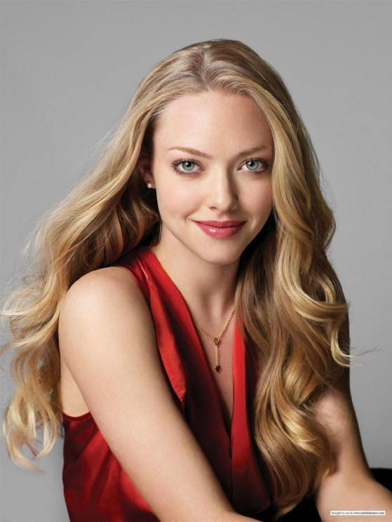 Amanda Seyfried Wall