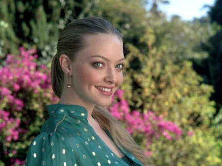 Amanda Seyfried Wallpaper Pics