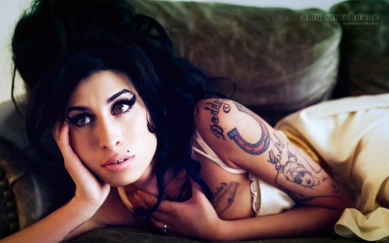 Amy Winehouse Widescreen Pm Before And After