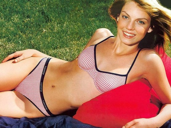 Angela Lindvall Swimsuit Si