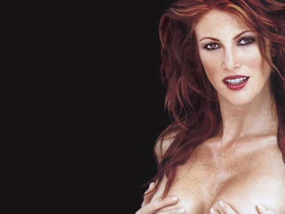Angie Everhart Naked  Hot