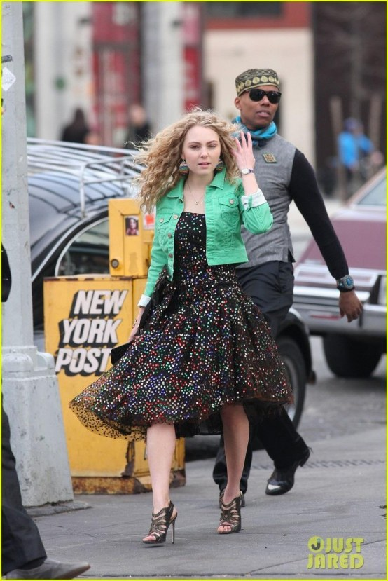 Annasophia Robb On Set Of The Carrie Diaries Annasophia Robb Carrie