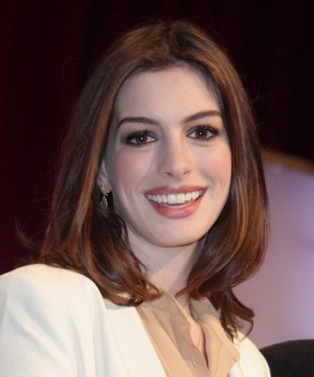 Cute Anne Hathaway Hairstyles For