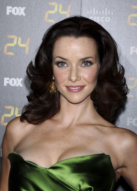 Anniewersching Thepisodepremiereparty Vettri Net