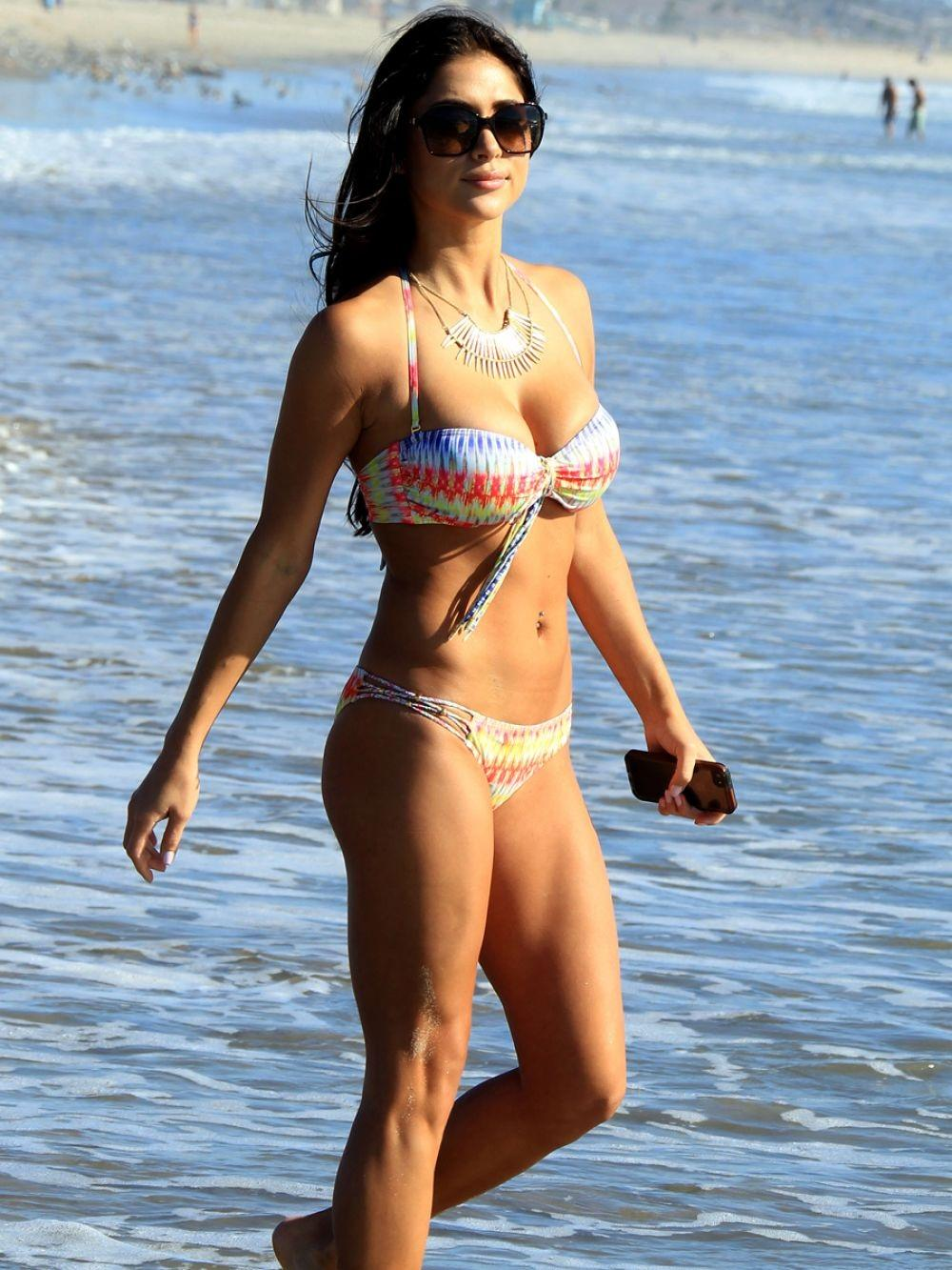 Arianny Celeste In Bikini At Beach In Los Angeles Beach