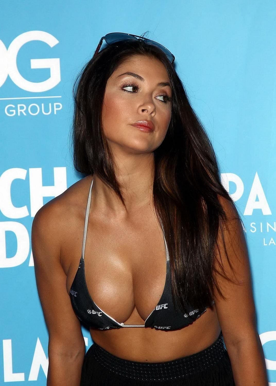 Arianny Celeste Looking Hot In Bikini Top Ufc Fight Week Party In Las Vegas Hot