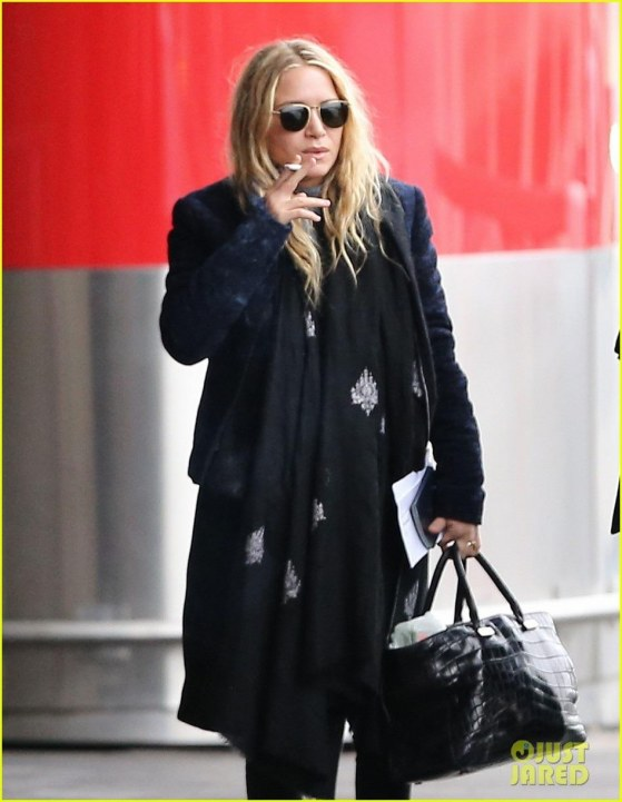 Mary Kate And Olivier Sarkozy Arrive At Charles De Gaulle Airport In Paris January Mary Kate And Ashley Olsen