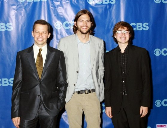 Ashton Kutcher And Two And Half Men Co Stars At Cbs Upfronts Two And Half Men