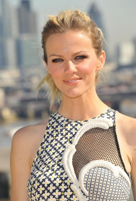 Brooklyn Decker At Battleship Photocall In London
