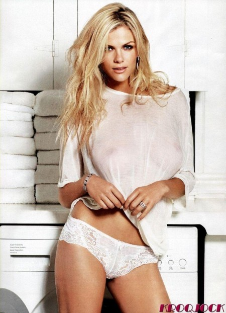 Brooklyn Decker Esquire Magazine Photoshoot February