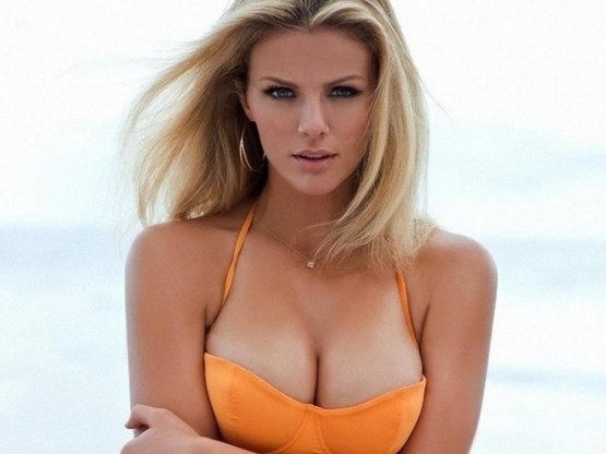 Brooklyn Decker In Bikini New Girl