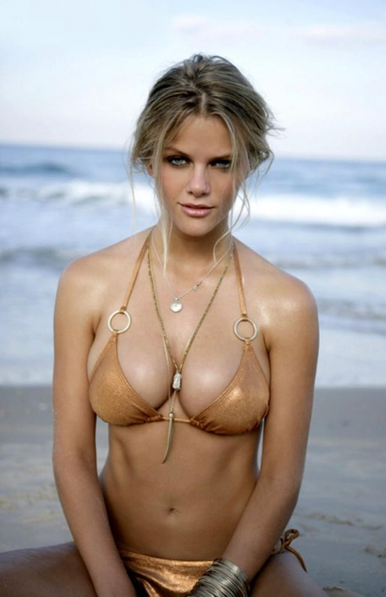 Brooklyn Decker Wiki Pic Body