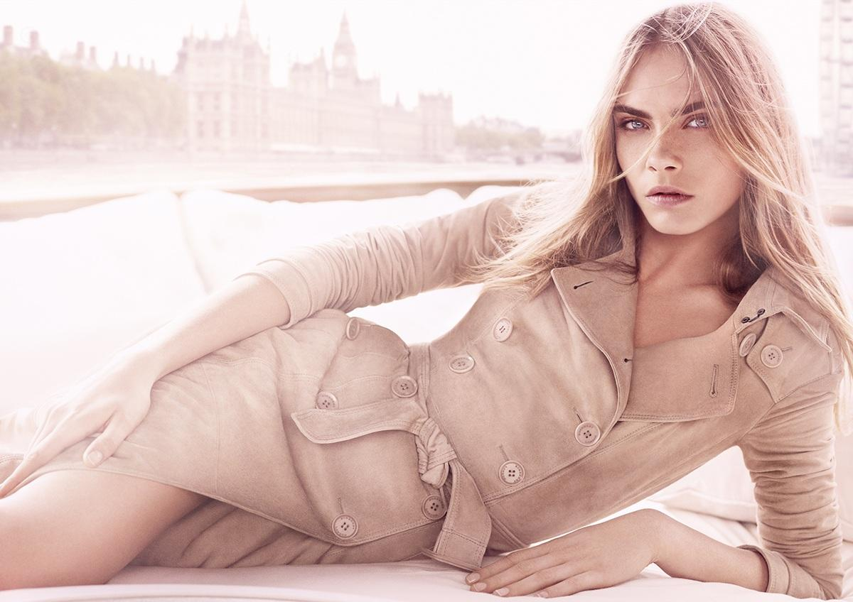 Cara Delevingne For Burberry Body Tender Body