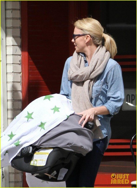 Charlize Theron Little Dom Lunch With Baby Jackson Charlize Theron Baby