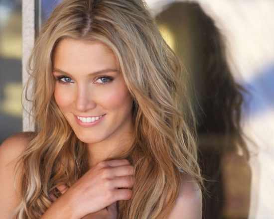 Delta Goodrem Hd Wallpapers Wallpaper
