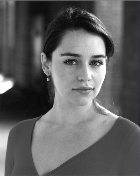 Emilia Clarke Hd Wallpapers Scenes