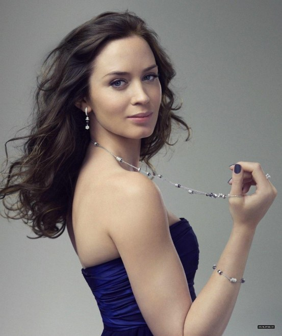 Emily Blunt Hd Wallpapers Wallpaper