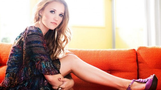 Emily Osment Hot Wallpapers Hot