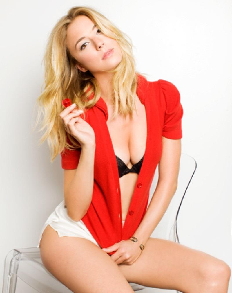 Emily Vancamp Sexy Photoshoot Hot