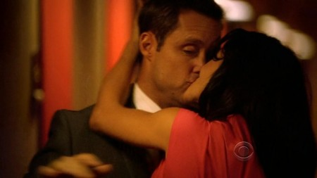 Emmanuelle Vaugier Hawaii Five Screencaps
