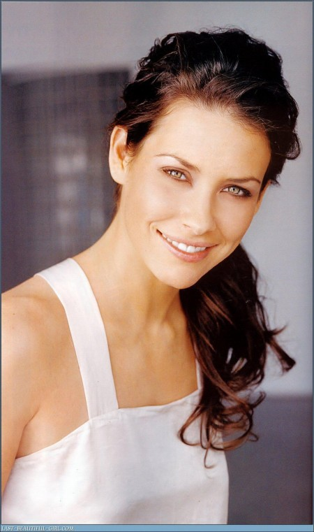 Evangeline Lilly Kb Media Media
