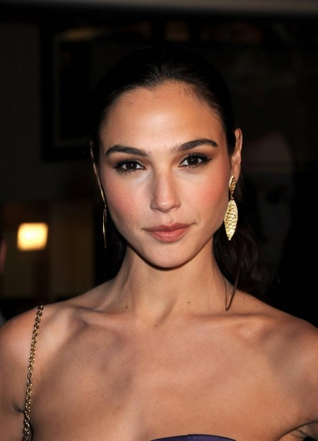 Fast And Furious Gal Gadot Wallpaper
