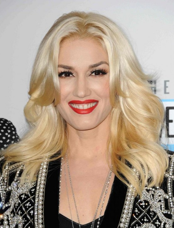 Gwen Stefani Black Silver Sweater American Music Awards Gwen Stefani Black Silver Sweater American Music Awards