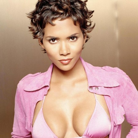 Halle Berry Photo Pictures