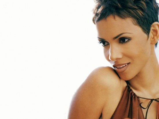 Halle Berry Sexy Wallpapers