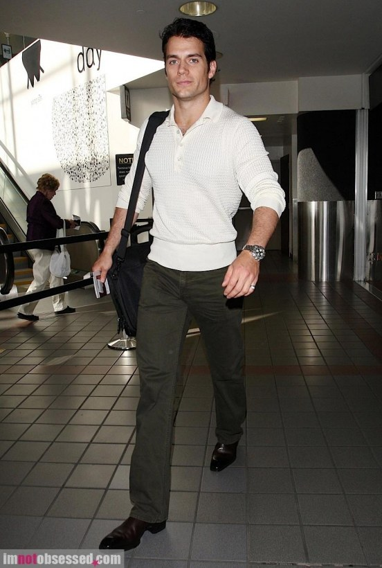 Henry Cavill Makes His Way Through Lax