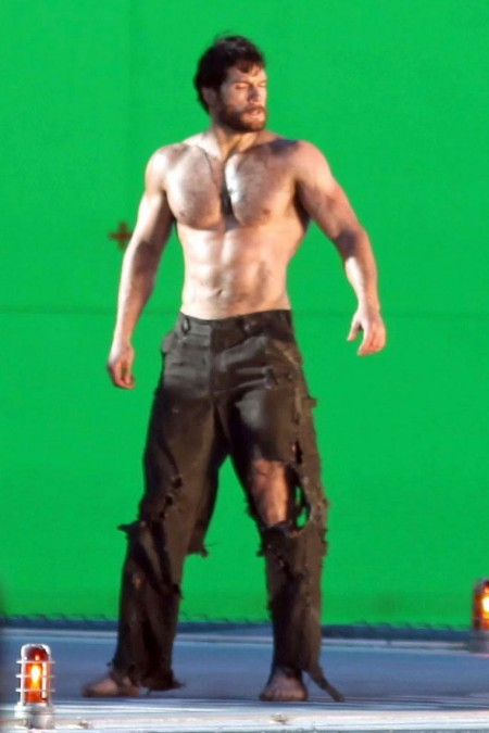 Henry Cavill Shirtless Shirtless