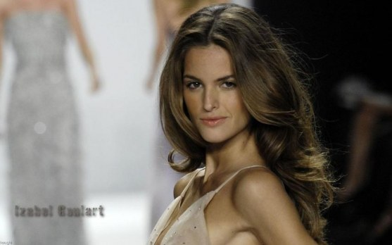 Izabel Goulart Background