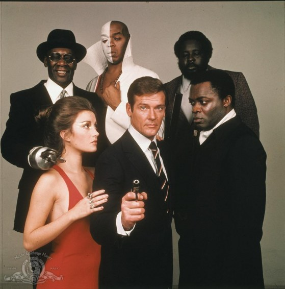 Still Of Roger Moore Yaphet Kotto Jane Seymour Julius Harris And Geoffrey Holder In Live And Let Die Large Picture Live And Let Die