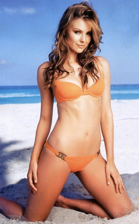 Jennifer Hawkins Hot Hot