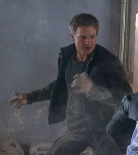 Jeremy Renner In The Bourne Legacy Movie Image Movies