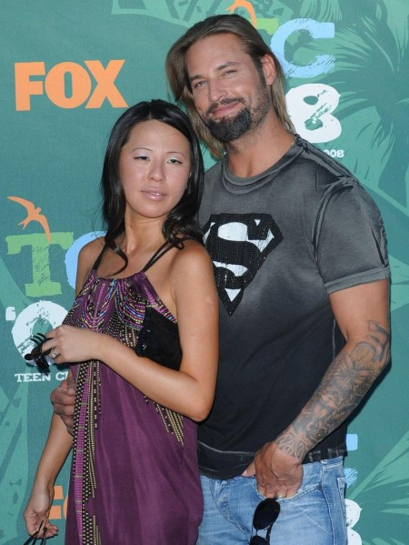 Its Girl For Josh Holloway Wife Wife