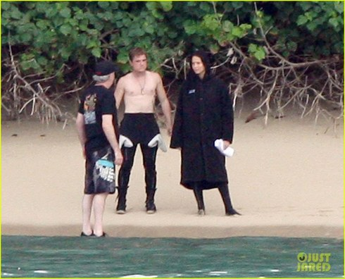 Jennifer Lawrence Shirtless Josh Hutcherson Catching Fire Sea Scenes Shirt Off