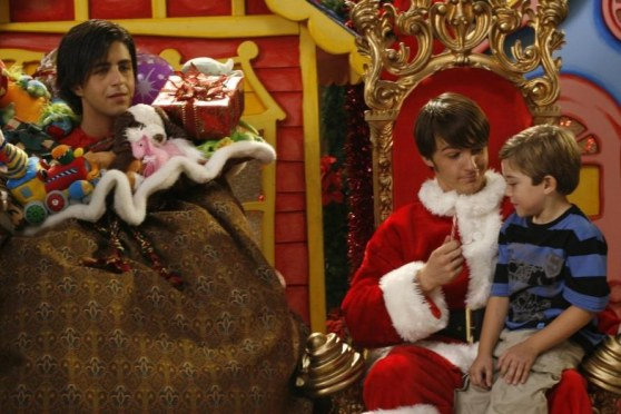 Picture Of Drake Bell And Josh Peck In Merry Christmas Drake Josh Large Picture Drake