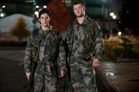Red Dawn Image Chris Hemsworth Josh Peck Beach