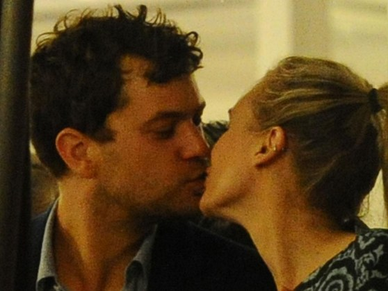 Joshua Jackson Diane Kruger Kiss Cannes Young