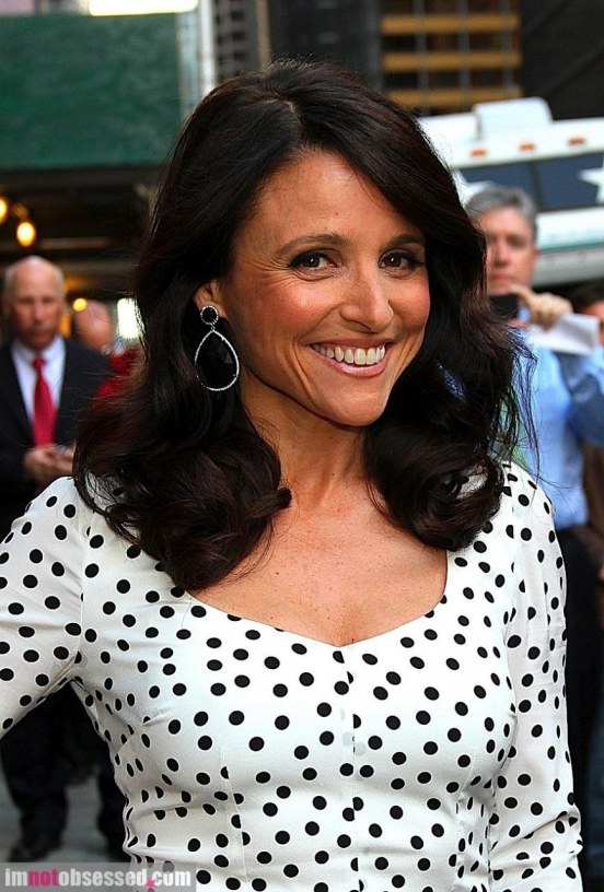 Julia Louis Dreyfus And Billy Crystal Stop By The Late Show Julia Louis Dreyfus Boots