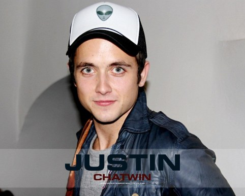 Justin Chatwin Wallpaper Normal Wallpaper