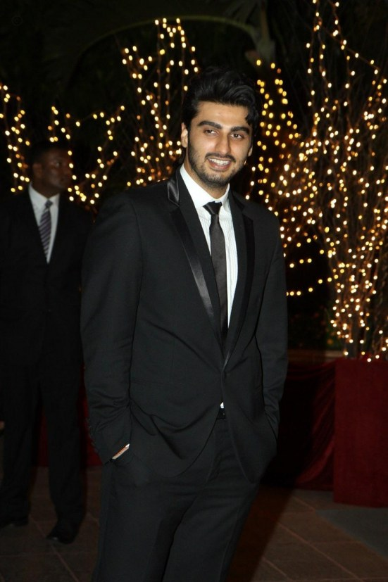 Wrzwet Fwm Bvbaid Arjun Kapoor At The Th Birthday Party Of Karan Johar At Hotel Taj Lands End In Mumbai